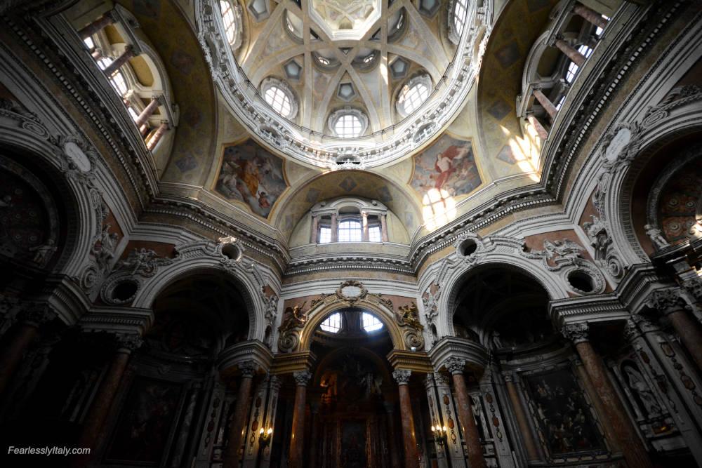 Изображение: Церковь Сан-Лоренцо в Турине